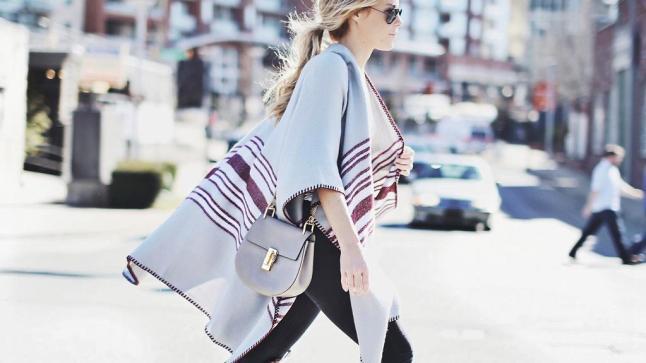 capes-ponchos-foulards-surdimensionnes-tendance-mode